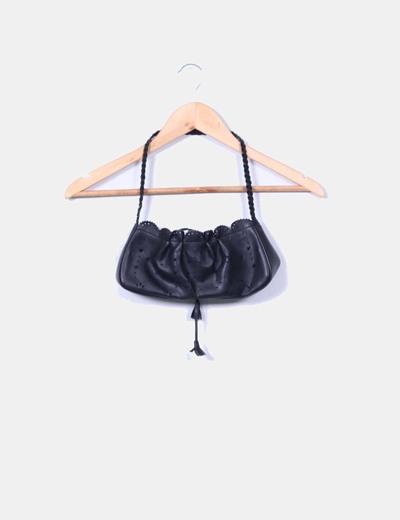 Bolso mini negro troquelado Mango