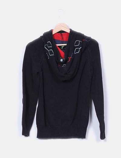 Sudadera negra tricot capucha