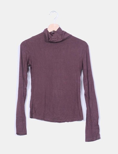 Top marron con cuello