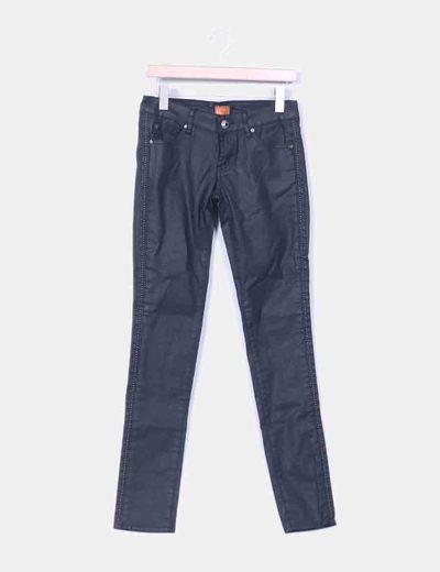 Jeans encerado negro detalle tachas  Heartless Jeans