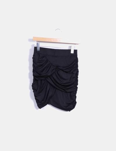 Minifalda negra drapeada