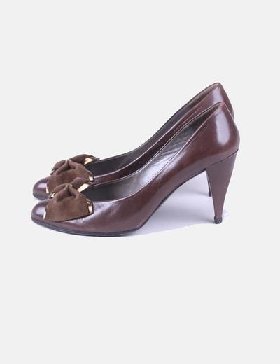 Zapato marrón con detalle lazo Charles Jourdan