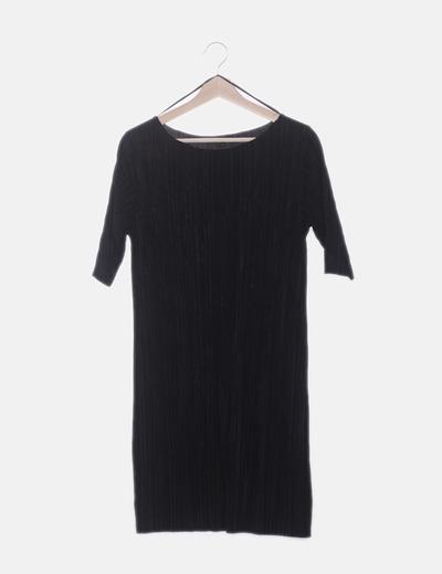 Vestido manga francesa negro plisado