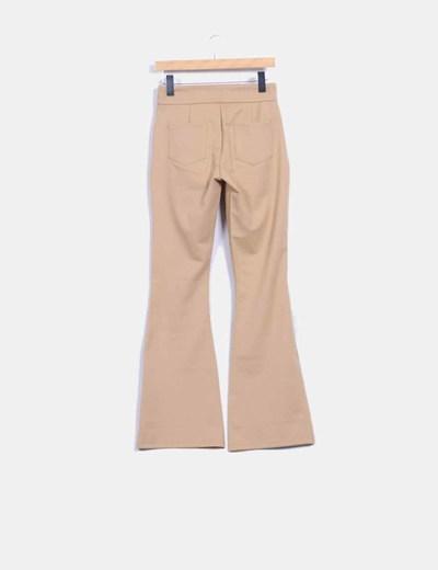 Pantalon camel elastico pata acampanada