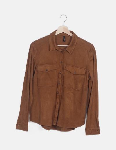 Camisa antelina marrón