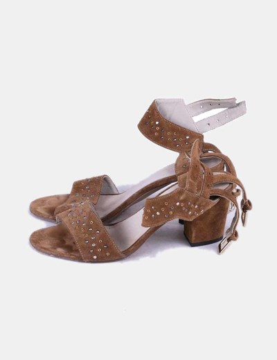 Sandales en daim camel avec strass Cortefiel