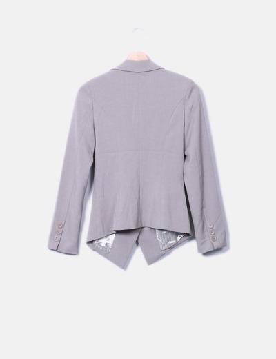 Blazer asimetrica gris