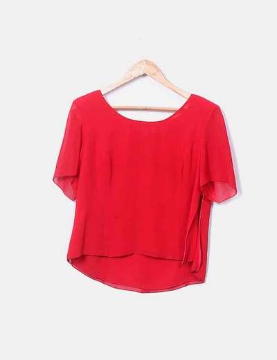 Blusa roja hombreras
