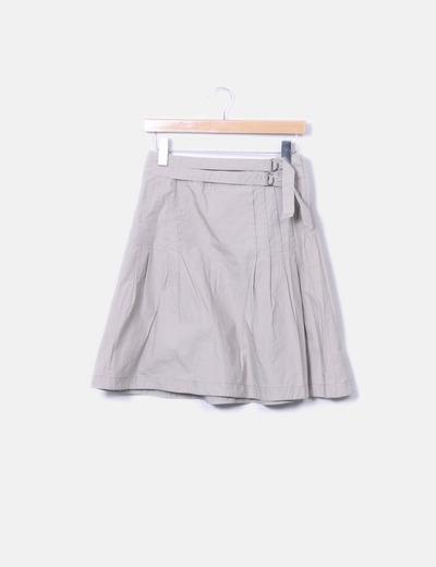Falda con cremallera lateral