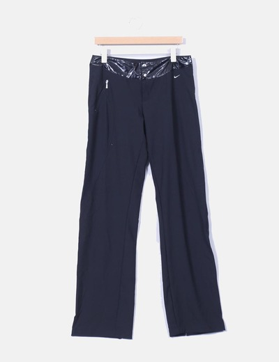 Pantalón negro detalle polipiel Nike