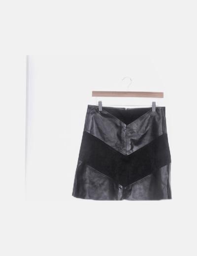 Falda negra combinada polipiel