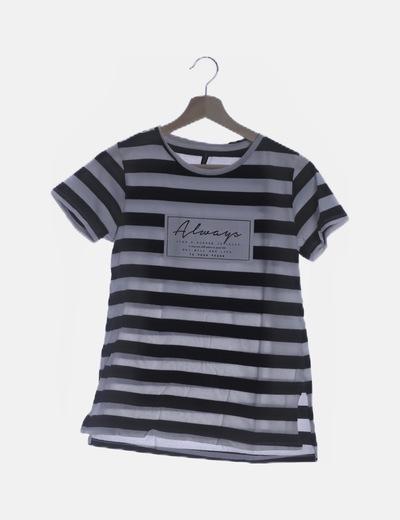Camiseta de rayas negra y blanca print letras