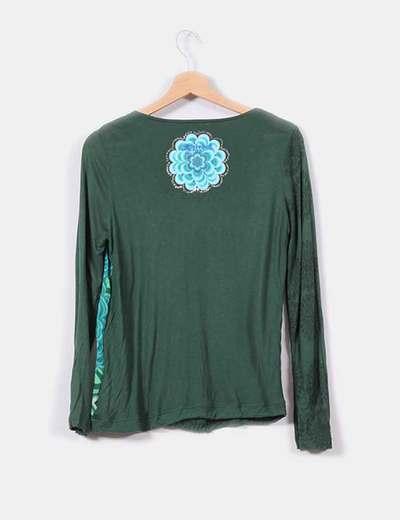 Camiseta verde floral