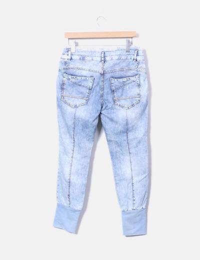 Pantalon denim baggy efecto desgastado