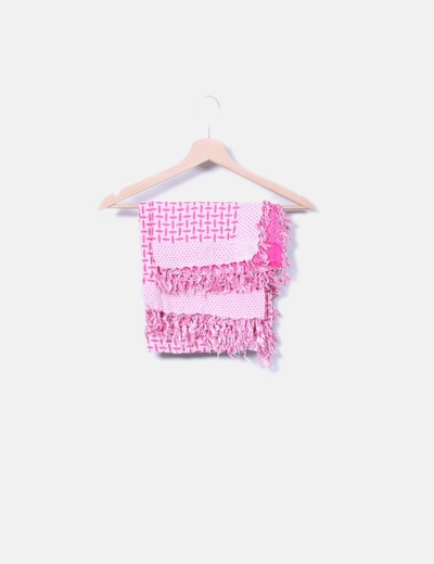 Pañuelo rosa con flecos