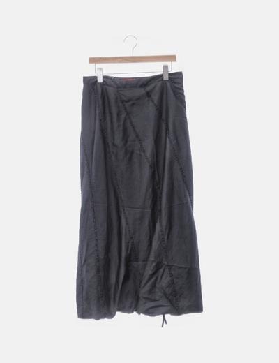 Falda negra con abalorios