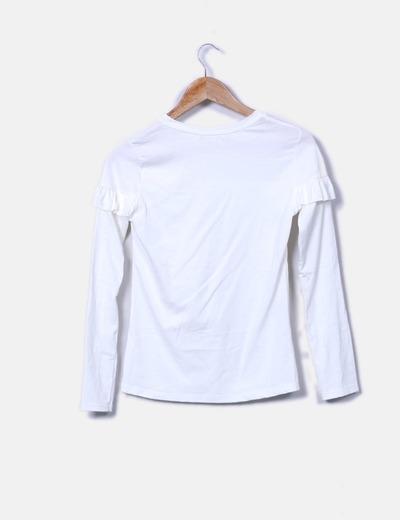 Camiseta blanca con volante