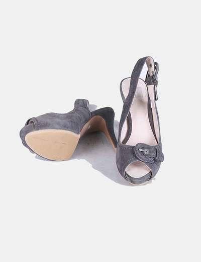 Zapatos peet toe antelina gris