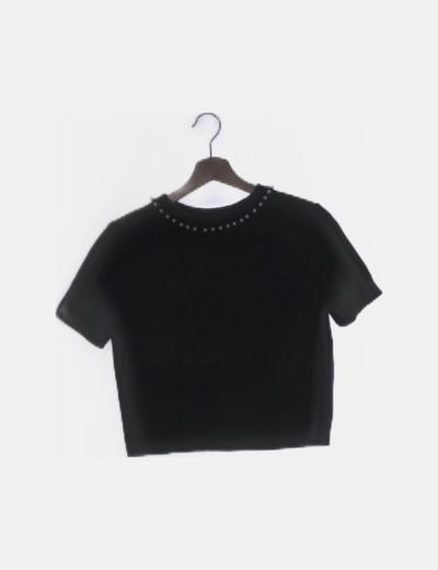 Camiseta canalé negra con perlas