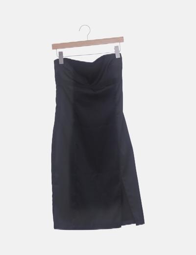 Vestido entallado negro satinado