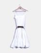 Vestido de tirantes blanco con cinturón Fórmula Joven