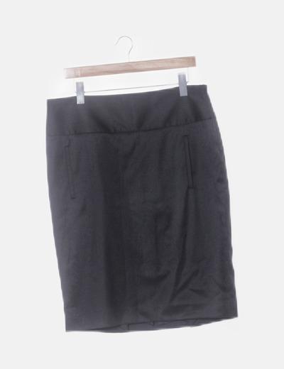 Falda negra con raya diplomática