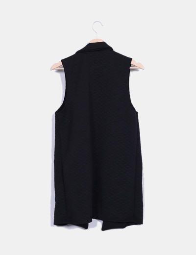 Chaleco largo negro tecturizado