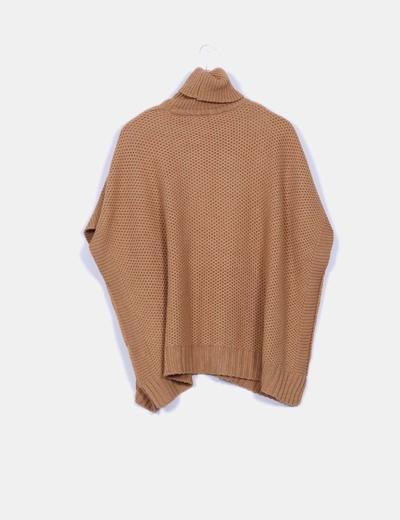 Jersey oversize marron cuello vuelto