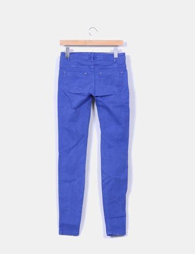 Pantalon azul klein efecto desgastado