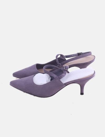 Zapato gris destalonado