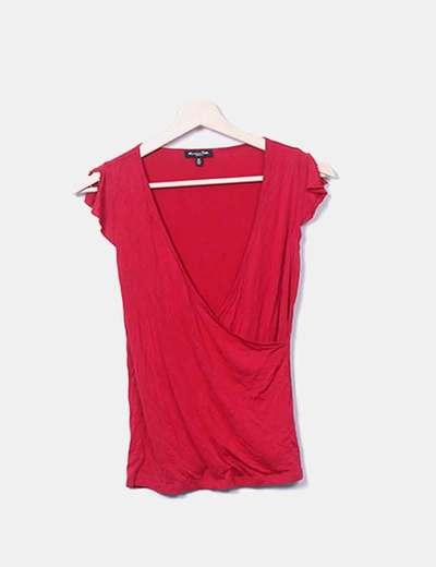 Camiseta roja cruzada
