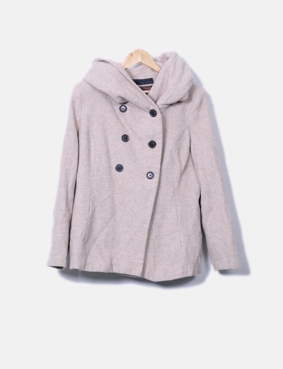 Abrigo beige con gorro Zara