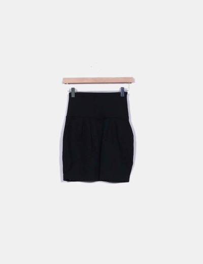 Mini falda negra talle alto Pull&Bear