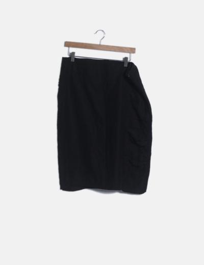 Falda negra detalles plisados