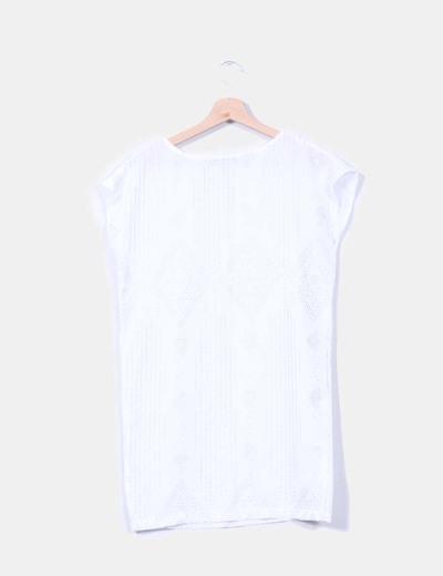 Vestido recto blanco con tachas