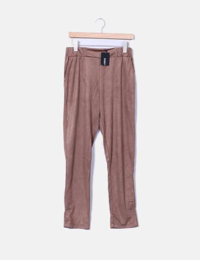 Pantalón baggy antelina camel Zara