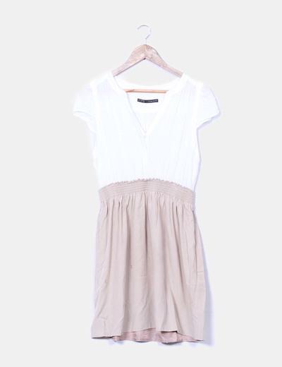diferentemente elegante en estilo mejores telas Vestido combinado beige y blanco