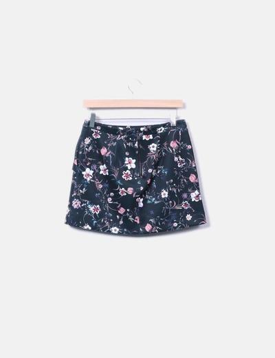 Minifalda floral con volante