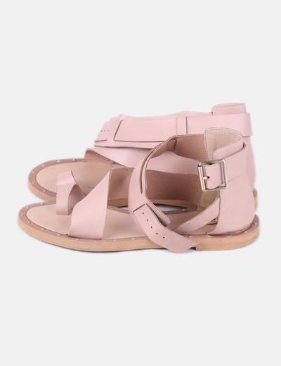 Sandalia plana color nude