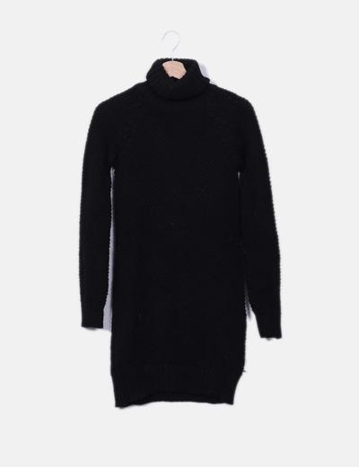2e5a2c7322d5 Zara Robe noire en maille avec col roulé (réduction 79%) - Micolet