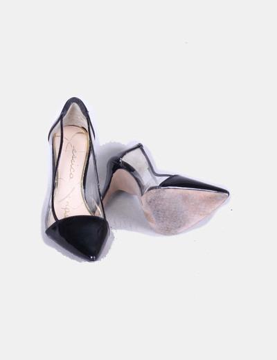 Zapato negro acharolado con transparencias