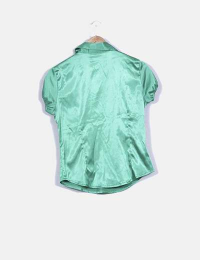 Blusa verde satinada manga corta