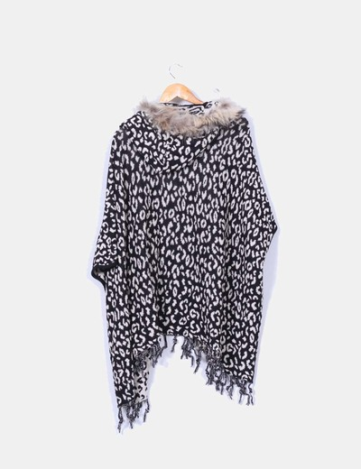 Cardigan estampado animal print con pelo