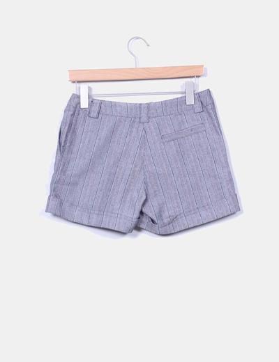 Short gris de rayas