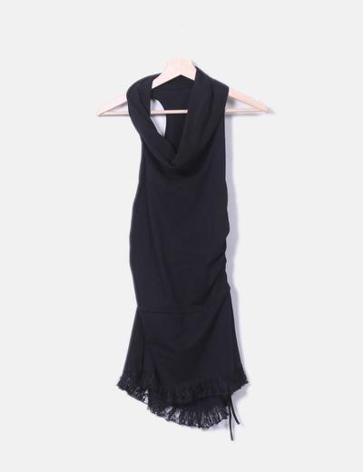 Vestido negro con puntilla