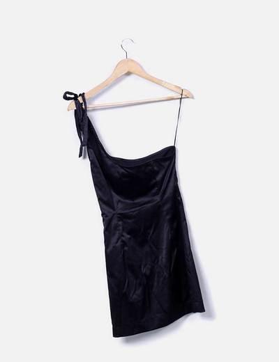 Vestido asimetrico negro saten