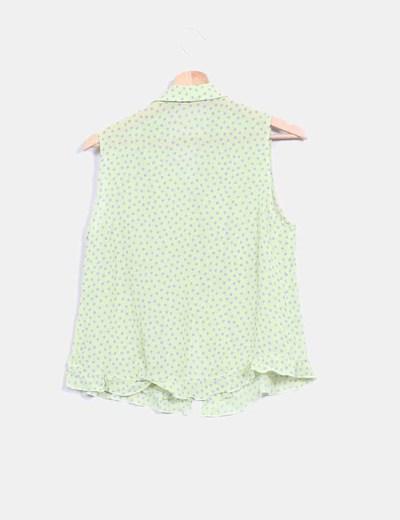 Camisa verde pistacho con topos
