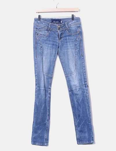 Pantalón denim azul desgastado