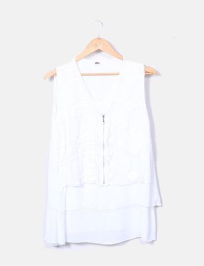 Blusa blanca volantes