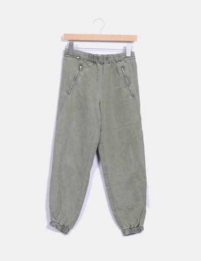 Pantalón verde kaki baggy Zara
